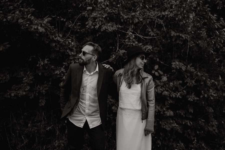 shooting photo en couple en tenue de mariage a bordeaux