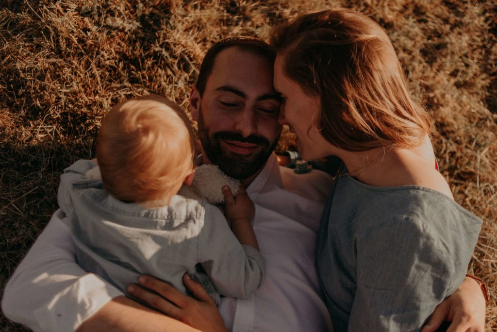 photos de famille en dordogne - thuriane photography photographe famille à bergerac périgueux sarlat