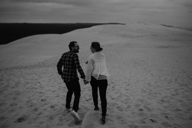 séance-photo-couple-dune-du-pilat-pyla-Thuriane-Photography-3